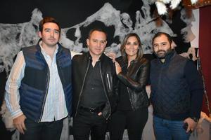 09112019 EN UNA FIESTA.  Humberto, Aarón, Ana y Abraham.