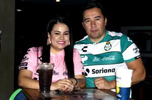 11112019 María y Miguel Magallanes.