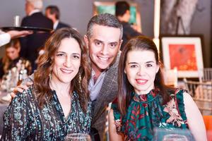 Claudia,Jorge y Marina.