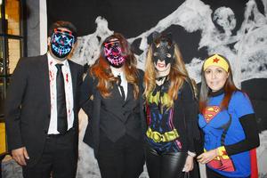 Xavier, Alexandra, Cristina y Fabiola