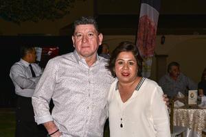 12112019 EN UN CONCIERTO.  Ricardo y Claudia.