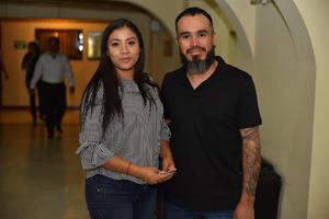 12112019 EN EL TEATRO.  Nancy y Jorge Luis.