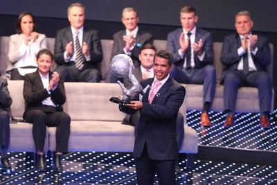El primero en ingresar al recinto de los inmortales en el mundo futbolístico fue el ex mediocampista Pável Pardo, dos veces mundialista por México en Francia 98 y Alemania 2006.