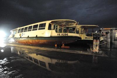 Más de 60 barcos han sido dañados, según una primera estimación.