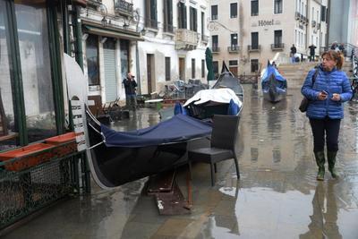 Y el problema para los expertos es que el mal tiempo no remitirá y por tanto el fenómeno del agua alta continuará durante toda la semana.