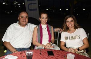 13112019 DISFRUTAN DEL BALLET.  Nancy Torres, Yulissa Márquez y Ariana Judith.
