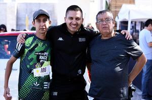 13112019 Gabriel, Gaby, José Miguel, Ani, Julián y el perrito Pancho.