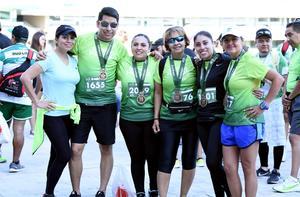 13112019 EN UNA CARRERA.  Ingrid, Pedro, Cynthia, Estelita, Karla y Gina.