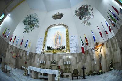 Parroquia. La iglesia de la Virgen de Guadalupe se vistió de manteles largos para recibir a todos los feligreses en el inicio de su celebración. Esperan recibir a cientos de grupos de danzantes en esta temporada de peregrinaciones.