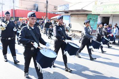 Banda de guerra. El retumbar de los tambores de las Bandas de Guerra no faltó en el recorrido que conmemoró los 109 años de este conflicto armado, que comenzó un 20 de noviembre de 1910.