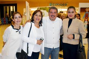 19112019 Nena, Isabel, Carlos y Gabriela.