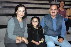 19112019 Lucy, Marina y Ezequiel.