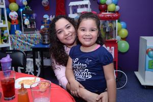 20112019 Valeria y Ámbar.