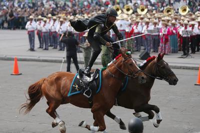 En el ocaso de los días tengo la firme convicción de que unidos podamos transitar todos hacia una nueva transformación. ¡Viva México!.