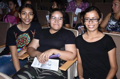 Dalia Cuevas, Mary Frayre y Alicia López.