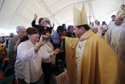 Monseñor Faustino Armendáriz tomó posesión como X Arzobispo de la Arquidiócesis de Durango, mediante una misa que se celebró en la Velaria de las instalaciones de la Feria.