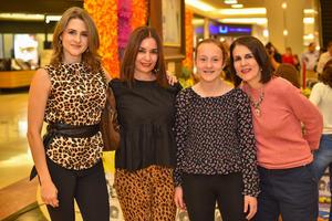 22112019 INAUGURAN NEGOCIO LOCAL.  Susana, Marlene, Cristy y Marlen.