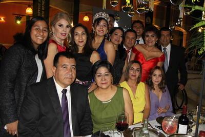 Colegio Americano de Durango corona a sus nuevos reyes