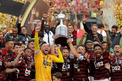 Flamengo revivió en la final en el estadio Monumental de Lima con una remontada inolvidable.