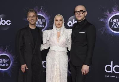 Chad King, Christina Aguilera e Ian Axel.