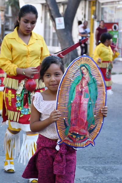 Todos participan. Niñas y niños participan de esta gran fiesta religiosa en honor a la Morenita del Tepeyac. El 1 de diciembre se tiene programado el rosario de Aurora saliendo del Parque Morelos, hacia la catedral, a las 6:30 horas.