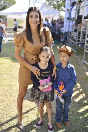 Gaby, Victoria y Rodrigo