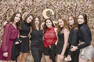 Valeria,Lizeth,Valeria,Mariana,Alejandra,Diidany Susy.