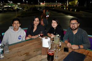 28112019 Santiago, Karla, Carolina y Daniel.