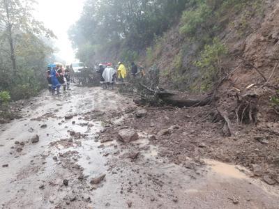El reporte de Protección Civil de Tepehuanes hasta el momento es de 424 personas evacuadas de sus hogares.