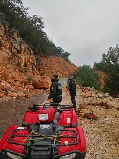 Protección Civil, como medida preventiva y derivado de la creciente del Río Canelas, realizó la evacuación de 80 personas de las localidades de Zapotes de Valencia, Angostura y El Oro.