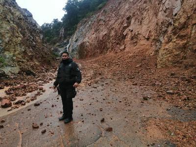Habitantes de las comunidades La Enrramada, Guamuchil y Boca del Arroyo, en Tamazula, fueron desalojados.