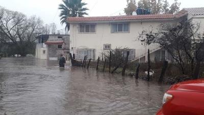 Como medida preventiva y derivado de la creciente del río Canelas, Protección Civil Tamazula realizó el desalojo de 105 personas.