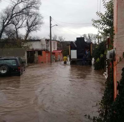 En Topia se ha registrado el reporte de inundaciones en casas habitación tanto en la cabecera municipal como en poblados aledaños.