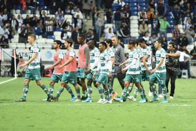 SANTOS VS MONTERREY     Cuartos de final entre Santos Laguna y Rayados de Monterrey Santos 2. Monterrey 5 segundo tiempo Apertura 2019