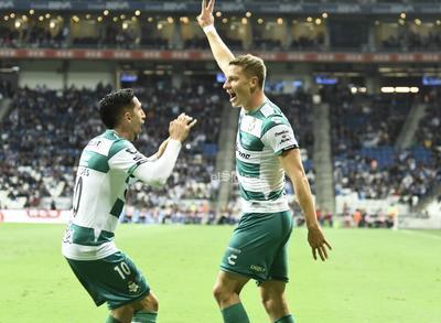 SANTOS VS MONTERREY     Cuartos de final entre Santos Laguna y Rayados de Monterrey Santos 1 Monterrey 3 primer tiempo Apertura 2019