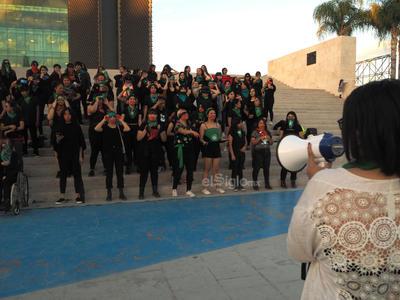 Dicho canto surgió en Chile el pasado 25 de noviembre, Día Internacional de la Eliminación de la Violencia Contra la Mujer por el colectivo feminista denominado Lastesis.