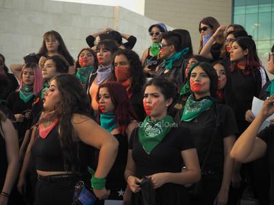 Asimismo, abordando las últimas manifestaciones, Elizabeth Pulido refirió que Aborto Legal Laguna no es responsable de lo que haya pasado la última semana, esto dado que han estado haciendo manifestaciones pacíficas, tal y como lo seguiremos haciendo.