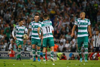 festejo de gol de Lozano   Santos vs MonterreyCuartos de final apertura  2019 de la Liga MX  Guerreros Monterrey Rayados Santos Santos Monterrey