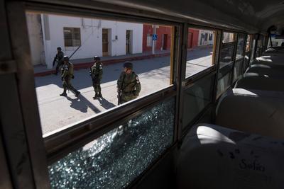 A lo largo del sábado y durante la madrugada del domingo -cuando hubo otro choque armado y se tomaron a varios rehenes- se elevó la cifra hasta estos 22 fallecidos.