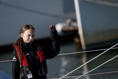 La activista llegó a Lisboa como escala en su viaje a Madrid para participar en la Cumbre del Clima.