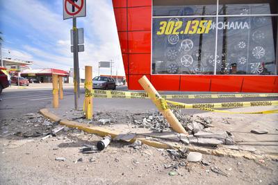 Registro. Distintos percances viales ocasionados en este año por ciudadanos laguneros dejaron su marca en diferentes puntos de la ciudad.