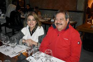05122019 Bibi y Mario.