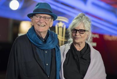 Fred Schepisi y su esposa Mary Schepisi