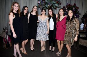 07122019 PRENUPCIAL.  Lucero Carlos en compañía de alguna de las asistentes a su despedida de soltera. Ellas son, Daniela, Ale, Chayi, Mili, Sofi y Almendra.