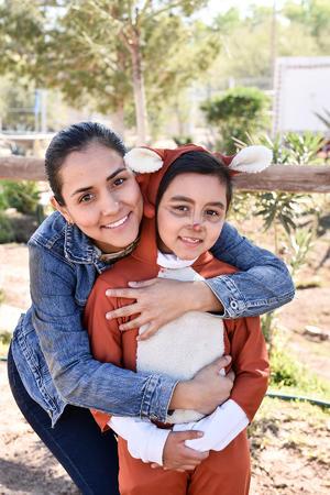 11122019 Marisol Valero y Bernardo Fierro con sus hijas Luciana y Moselle.