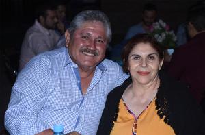 11122019 EN PAREJA.  Pedro y Lupita Lara.