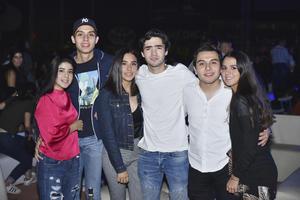 Anacris, Carlos, Andrea, Fernando, Ivan y Ana