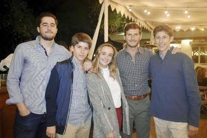 Ernesto, Diego, Ana, Daniel y Armando