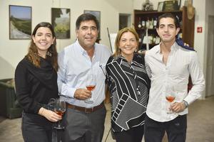 María Fernanda, Roberto, Genoveva y Roberto