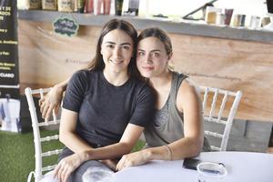 Daniela y Mónica